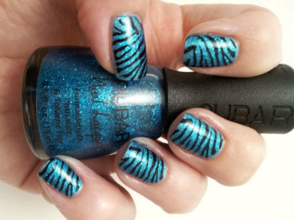 uñas-animal-print-zebra