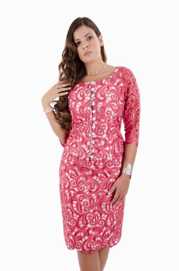 vestidos-de-fiesta-para-gorditas-bordado-rosa