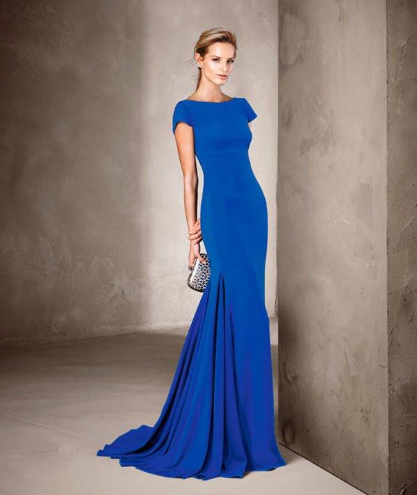 vestidos-de-fiesta-pronovias-azul-mangas