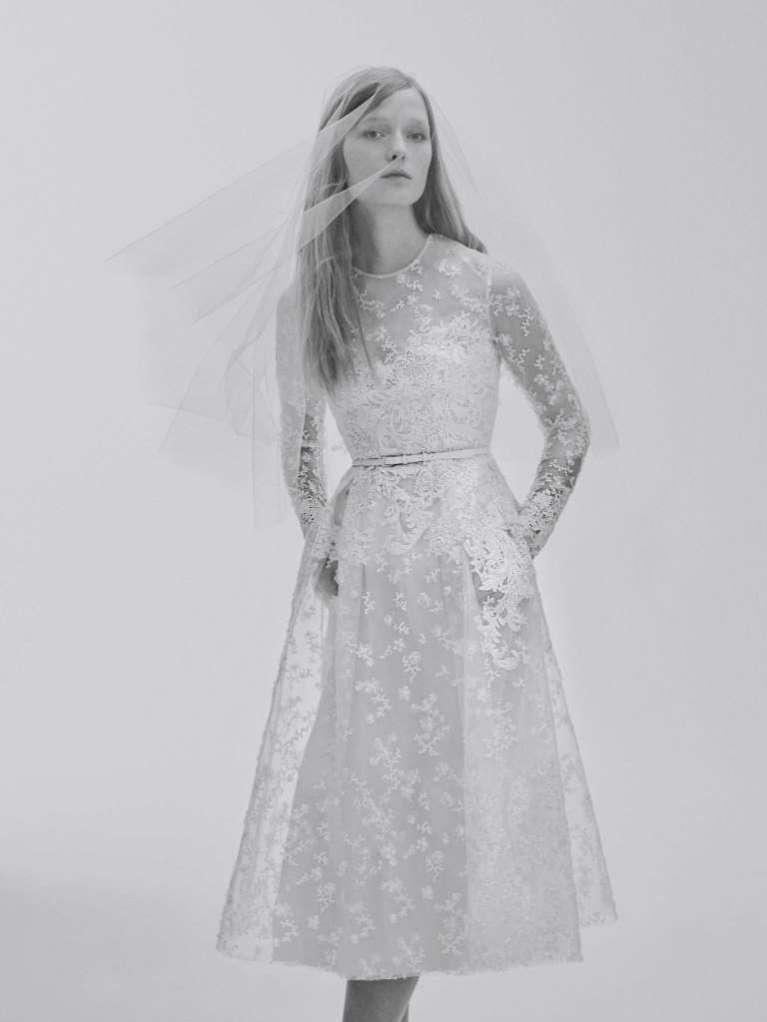 Vestidos de novia cortos y con manga larga