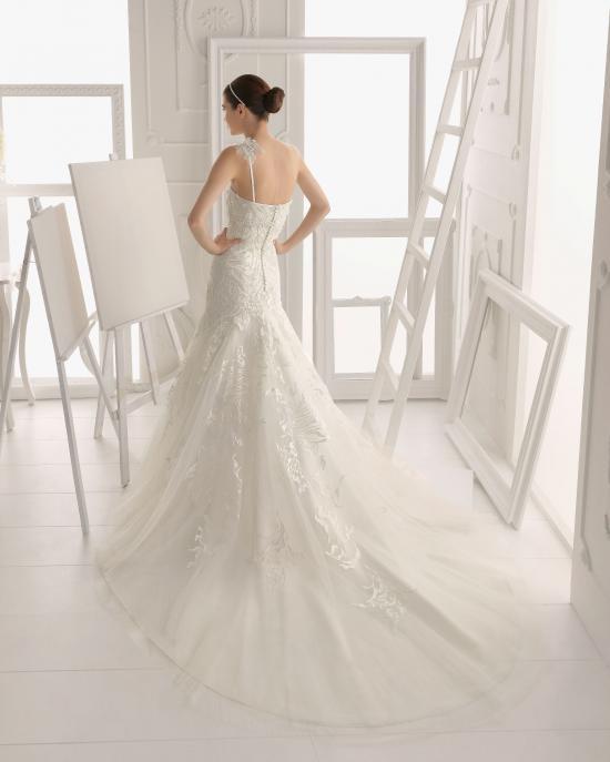 vestidos-de-novia-el-corte-ingles-otoño-invierno-2017-cola-sirena