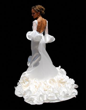 vestidos-de-novia-flamencos-otoño-invierno-2017-volantes