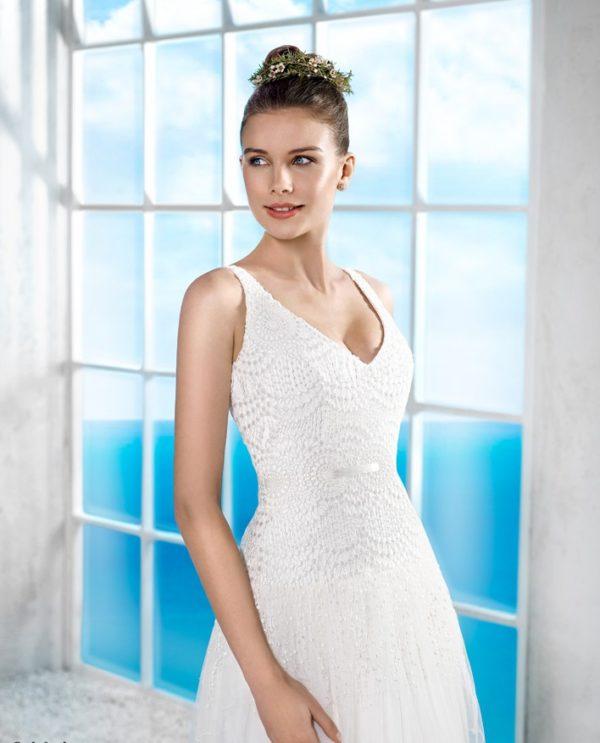 vestidos-de-novia-ibicencos-pedreria