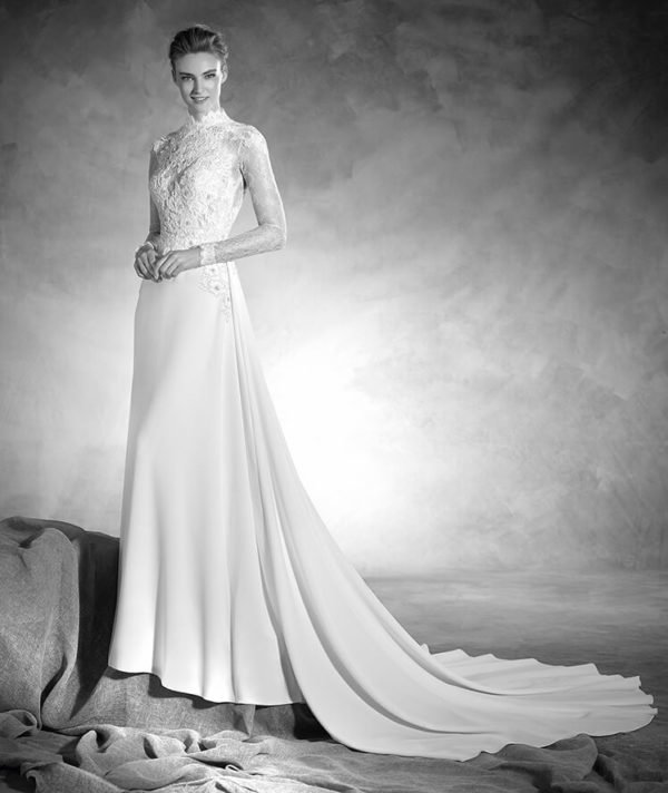 vestidos-de-novia-pronovias-otono-invierno-2017-al-cuello