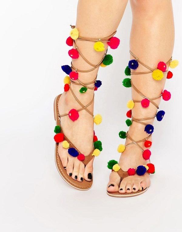 sandalias,con,pompones,asos,colores