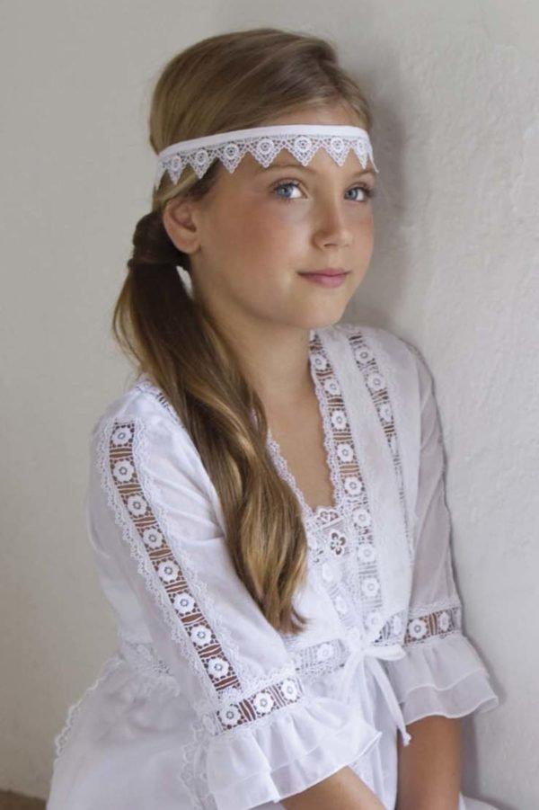 vestidos-de-comunion-diferentes-pocahontas-cintas-pelo-charo-ruiz