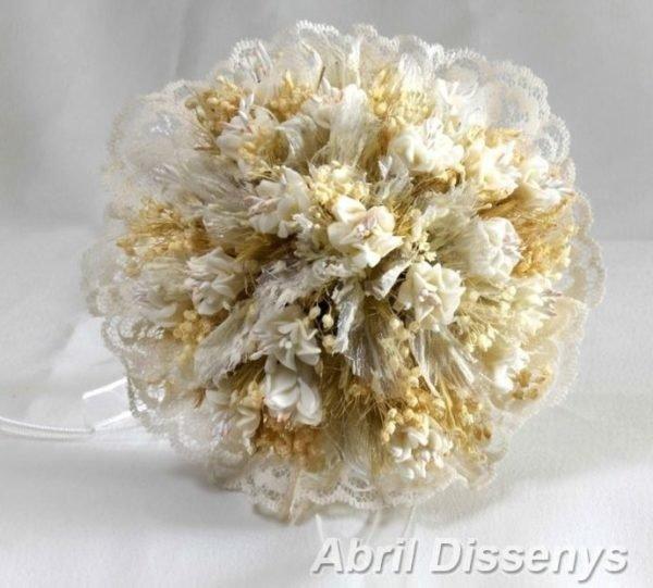 vestidos-de-comunion-nanos-ceremonia-bouquet-flores-secas