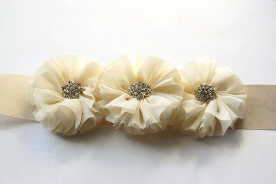 vestidos-de-comunion-nanos-ceremonia-fajin-blanco
