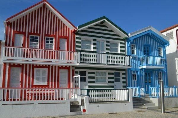 40 fotos e ideas de colores para fachadas de casas y exteriores - Pintar la casa de colores ...