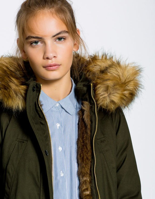 pull-and-bear-otoño-invierno-parkas-verde