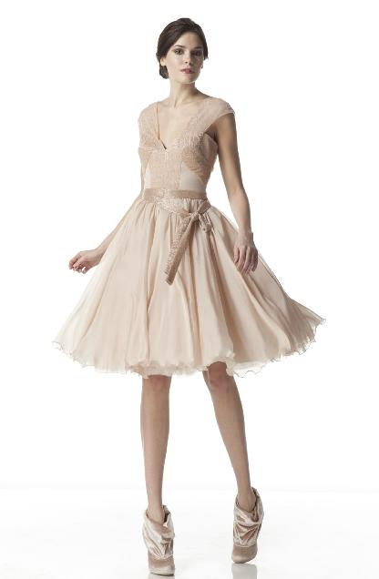 vestidos-de-invitada-de-novia-romanticos-beige