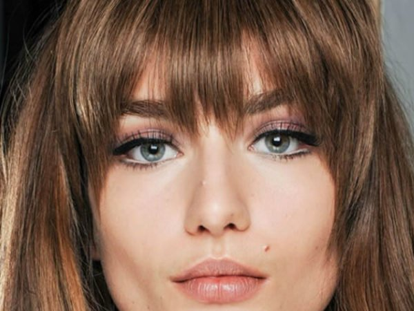 peinados-con-flequillo-pelo-largo-desfilado