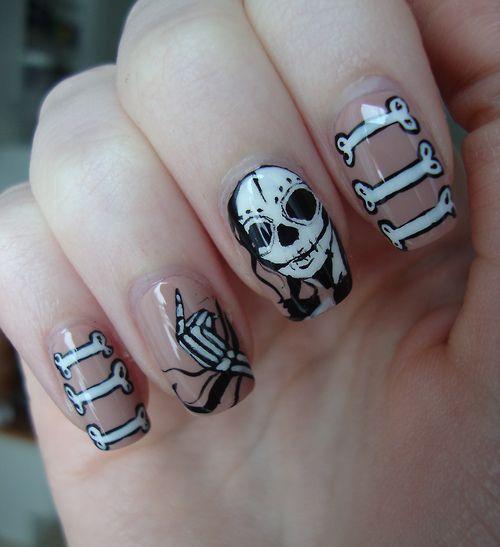 unas-halloween-esqueleto-chica