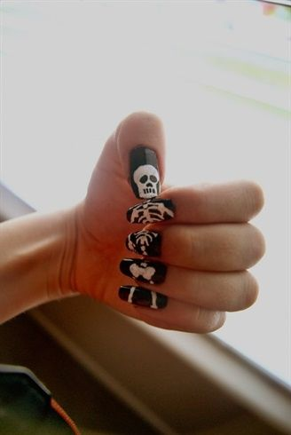 unas-halloween-esqueleto-entero