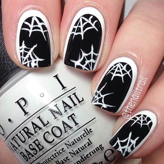 unas-halloween-telarañas-negras