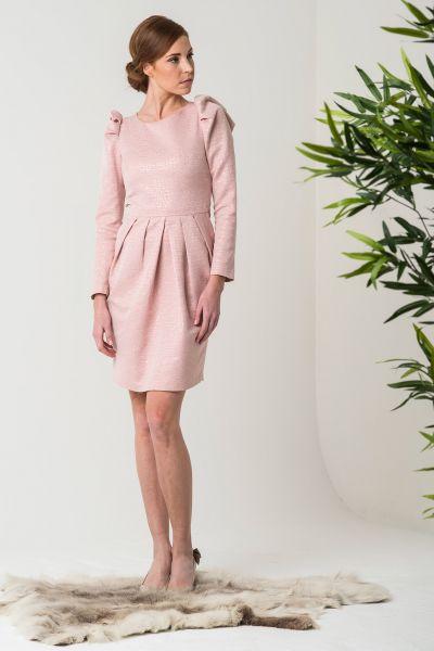 vestidos-de-fiesta-cortos-otoño-invierno-rosa-palo