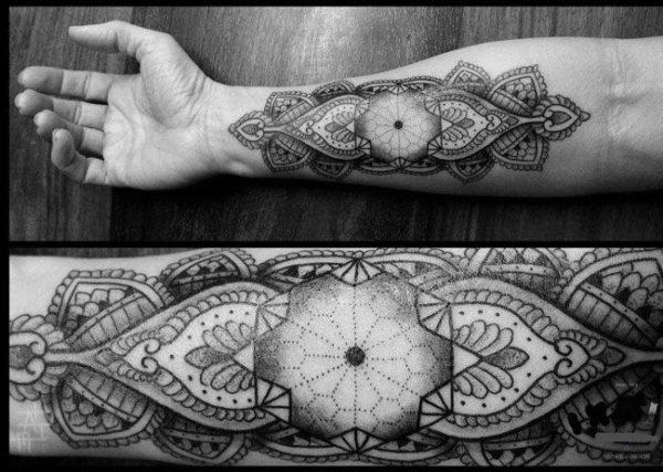 tatuajes-mandalas-para-hombres-antebrazo-rombo