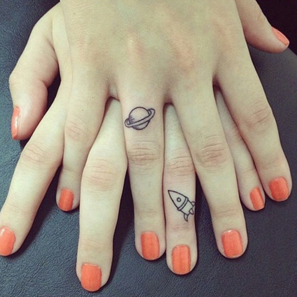 tatuajes-para-hermanas-dos-mitades-planeta