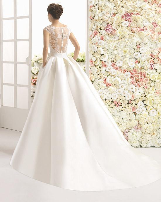 Vestidos de novia de encaje corte princesa