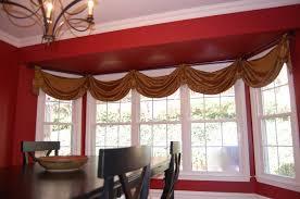 cortina-ventanal-dorada