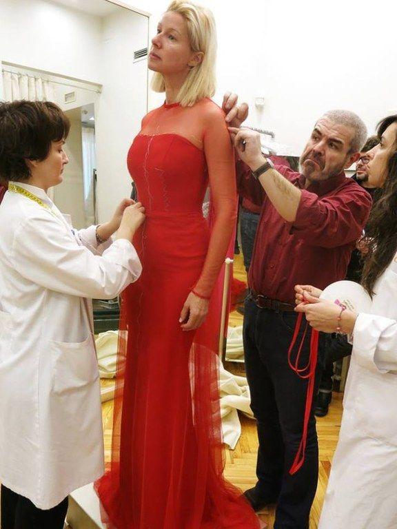 vestidos-de-las-presentadoras-en-las-campanadas-anne-igartiburu