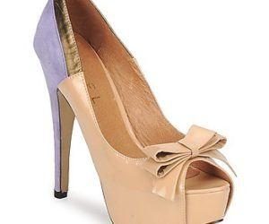Los zapatos peep toes marcan tendencia