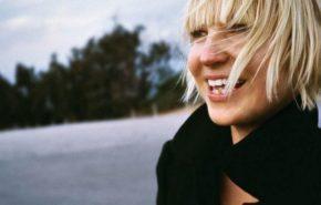 Letra y traducción de Sia – Elastic Heart