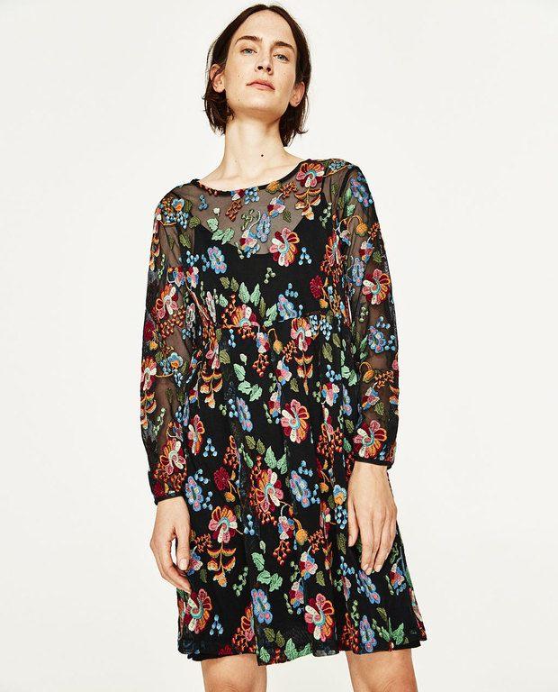 Dos de las tendencias que más veremos en los vestidos del catálogo ZARA  Primavera Verano 2017, son las rayas verticales como estampado de muchos  vestidos y