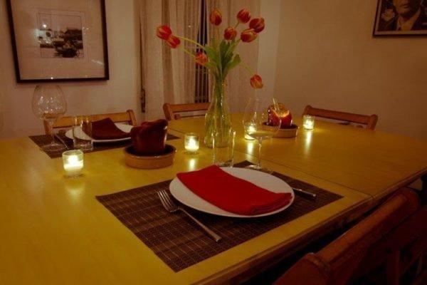 Las mejores ideas para decorar una cena rom ntica al aire - Cena romantica a casa ...