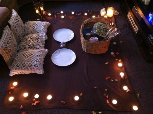 Las mejores ideas para decorar una cena rom ntica al aire libre y en casa - Cena romantica con velas ...