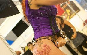 La mujer y el tatuaje
