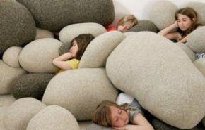Cojines con formas de piedras