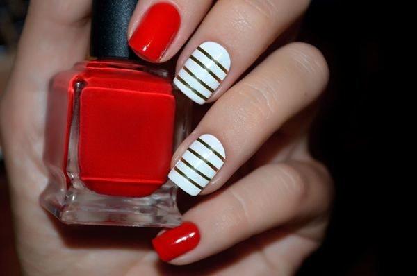 Unas de porcelana decoradas rojas rayas negras blancas