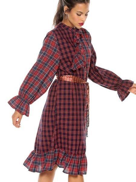 venca-catalogo-vestido-tejido-cuadros-con-cinturon-contraste-rojo