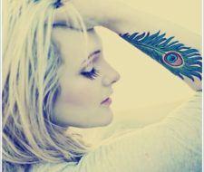 Fotos de tatuajes de plumas
