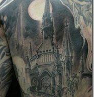 Tatuaje gótico de una catedral