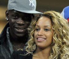 Vídeo de Fanny Neguesha la modelo que enamoró a Mario Balotelli