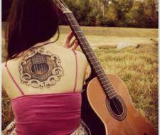 Tatuajes de guitarras