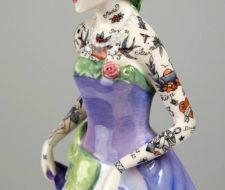 Porcelanas con tatuajes de Jessica Harrison