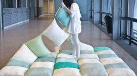 Un colchón de almohadones
