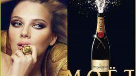 Scarlett Johansson con excesivo retoque en Möet & Chandon