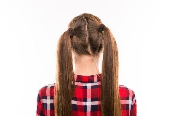 peinados-faciles-dos-coletas-istock