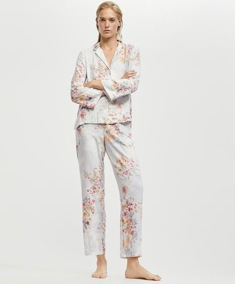 oysho-pijamas-flor-camelia