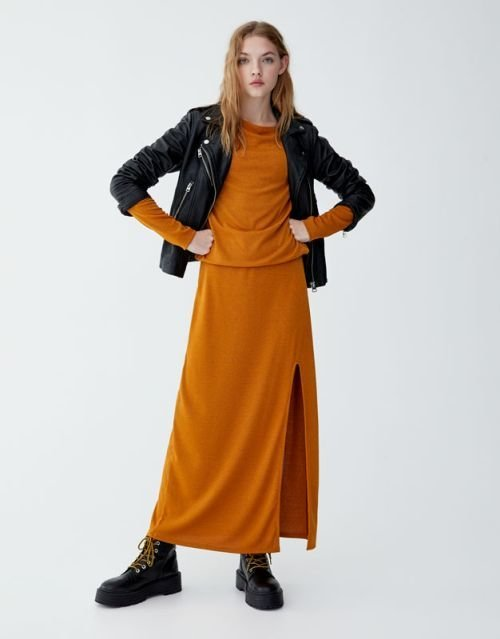 pull-and-bear-catalogo-vestido-largo-mostaza