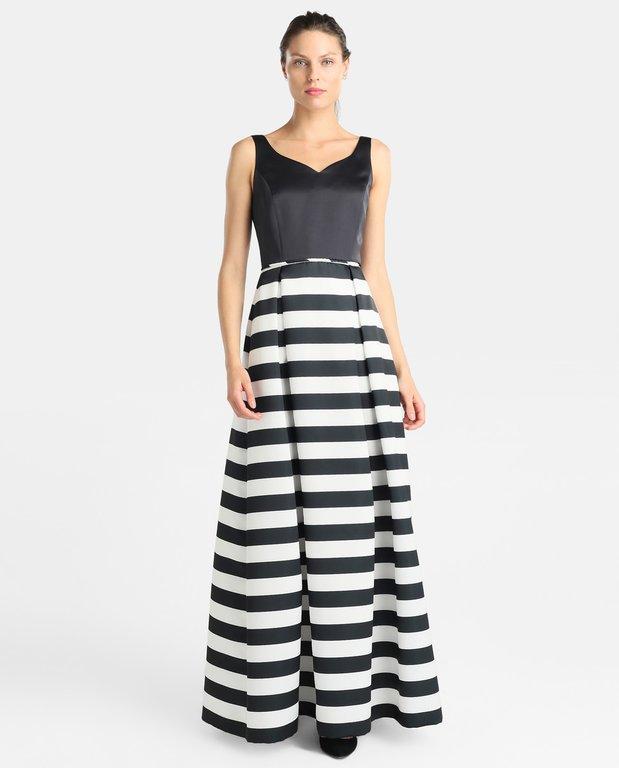 af4b3c633f Si quieres ver otros modelos de vestidos de comunión para madres