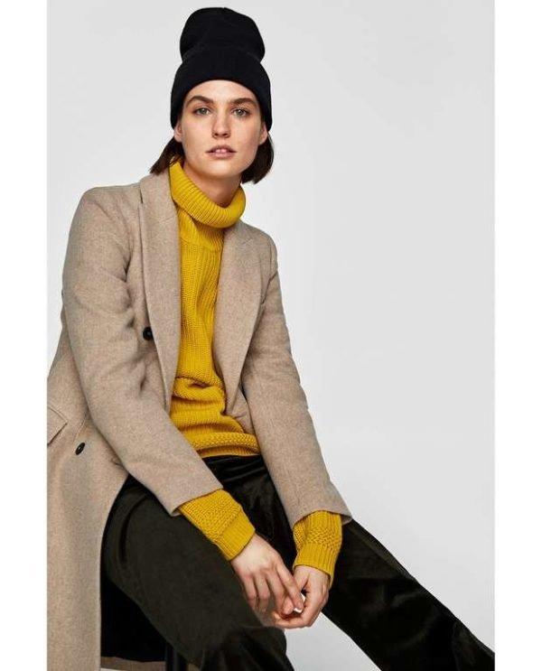 8b6cba01140a5 El Catálogo de abrigos de Zara Invierno 2019 es un catálogo repleto de  propuestas y tendencias con las que poder lucir a la última además de ir  bien ...