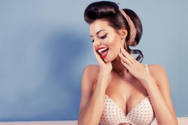 Estilo pin up en sujetador