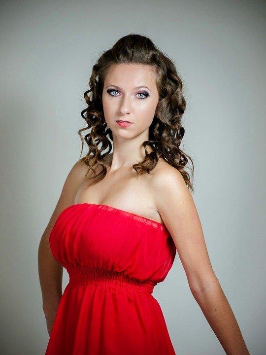 El Maquillaje Perfecto Para Un Vestido Rojo Tendenziascom