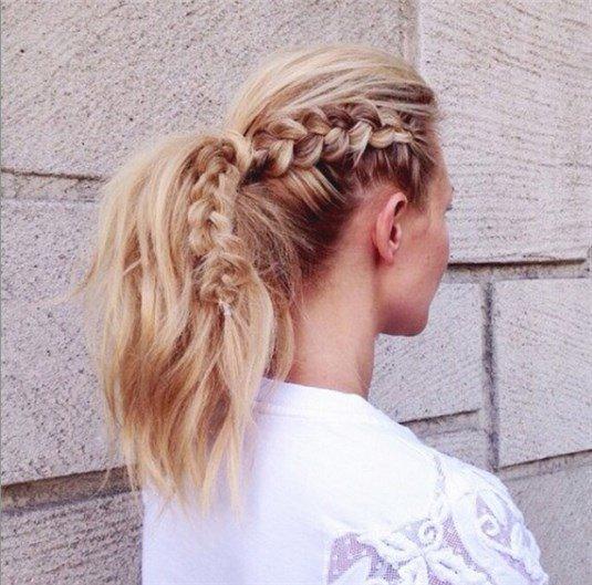 Peinados para pelo rizado con trenzas coleta