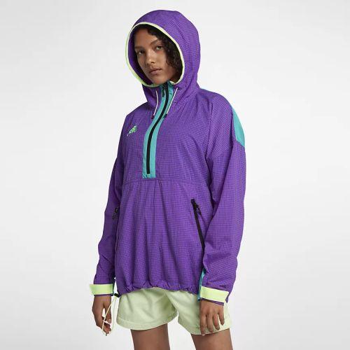 catalogo-ropa-deportiva-mujer-nike-chaqueta-acg